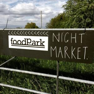 foodPark sign3