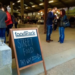 foodPark sign4