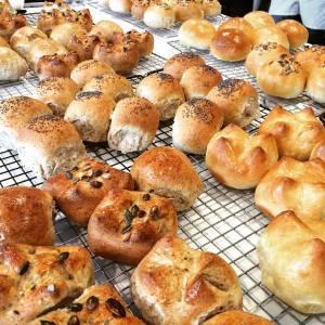 Glazed rye rolls