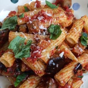 Tortiglioni with tomatoes and aubergines