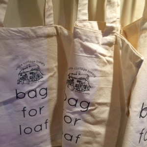 white-cottage-bakery-bag-for-loaf