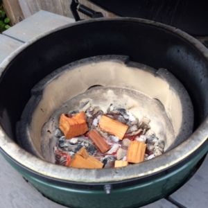 hickory-wood-chips-in-big-green-egg