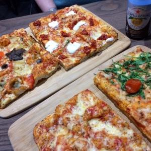 signorellis-deli-pizzas