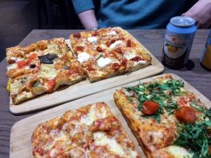 signorellis-deli-pizzas1