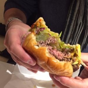 steak-honour-burger-bite