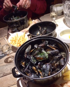 the-ship-hotel-mussels-pot