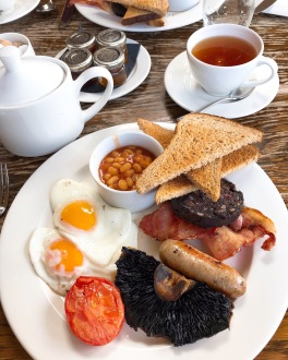 The Crown & Punchbowl Cambscuisine English breakfast