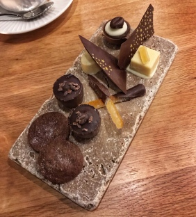 Cotto Cambridge petits fours chocolates