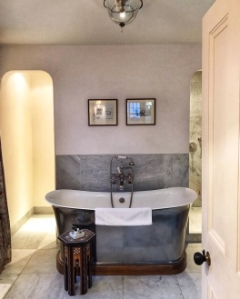 The Gunton Arms Norfolk bathtub Parkin room